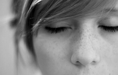 closing-eyes